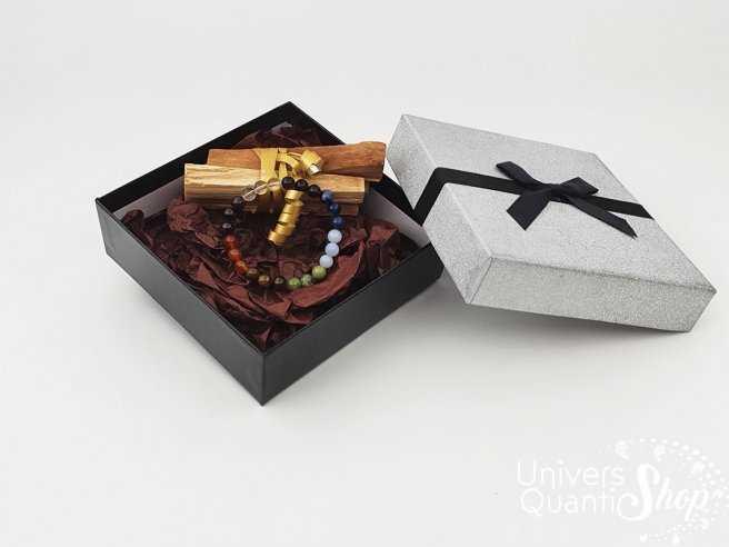 coffret cadeau de Noel bracelet 7 chakras et 40 grs de Palo Santo boite argentée