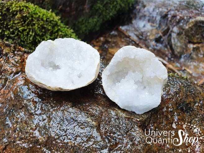 Géode de quartz du Maroc en cristal de roche ouverte, cristaux naturels