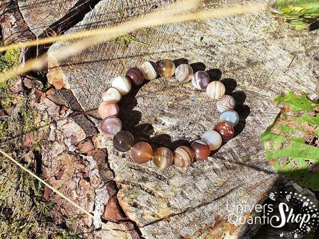 Bracelet Agate Botswana – Pierre de Paix – Qualité A – Boule 10mm dans la nature