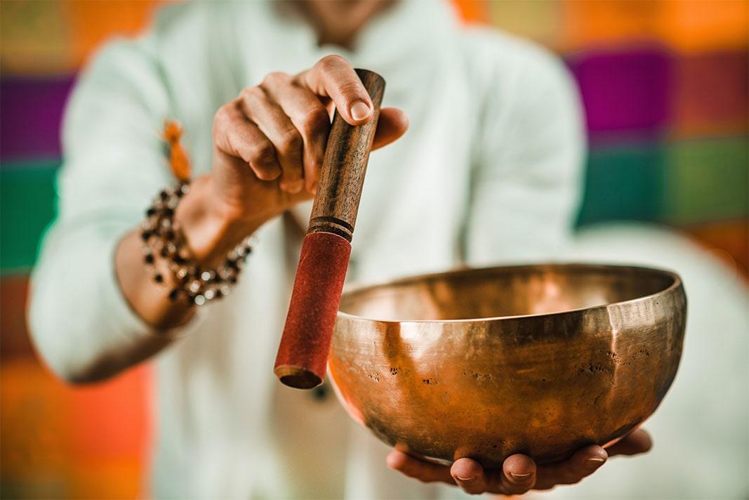 Bol tibétain aux 7 métaux  avec bâton de frappe