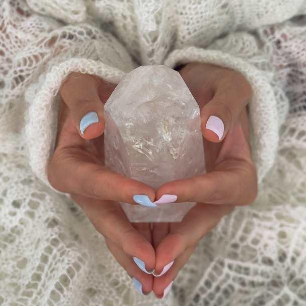 Pourquoi faut-il purifier ses pierres et minéraux ?